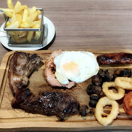 Wooler, UK: Mixed grill in the club house! 👍🏽