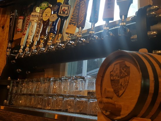 Craft beers picture of mj 39 s bar and restaurant owego for Craft beer bars new york