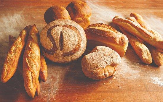 Saint Donat, Canada: Pains aux levain, ou pains à sandwich moelleux, farine non blanchie.