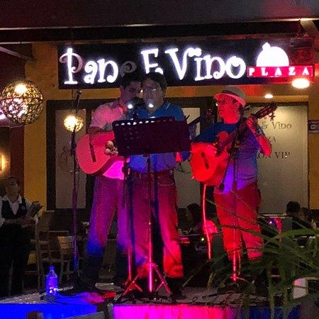 Hard Rock Cafe Managua: photo0.jpg