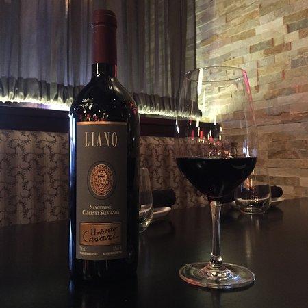 Richmond Hill, Kanada: Liano Feature Wine