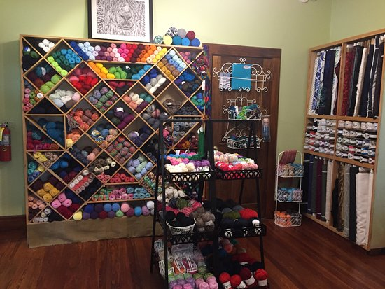 DeLand, FL: Knitters, crocheters, and weavers welcome!