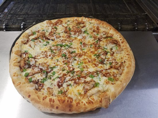 Brick Oven Pizza Rockport: BBQ Chicken Pizza