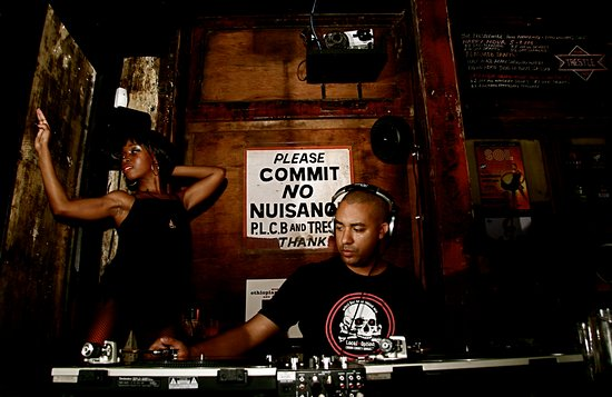 Filadelfia, Pensilvania: TSOT DJ j the audiophile with Trestle Special Connie Love