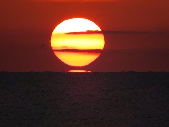 b58269c96e862c Coucher de soleil - Picture of Fun Holiday Beach Resort, Negril ...