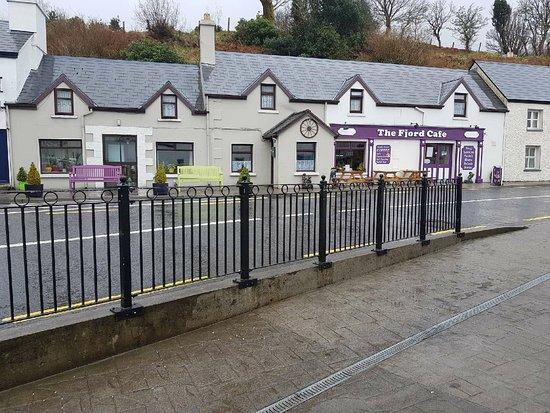 Leenane, Irlanda: New Sign Erected this week