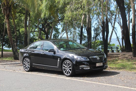 Cairns Region, Avustralya: Luxury Limousines Service - Clifton Beach Cairns