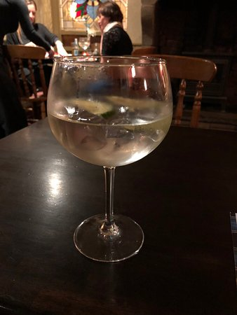 Turton, UK: G&T