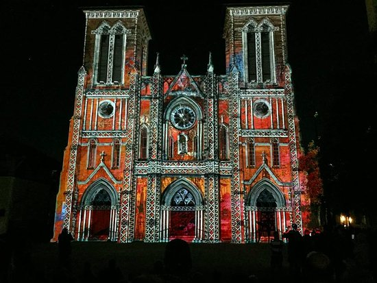 ‪The Light Show at the San Fernando Cathedral‬