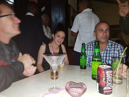 Villa La Roca: Casa Musica à Holguin avec la soeur de Daniel et notre chauffeur Keny