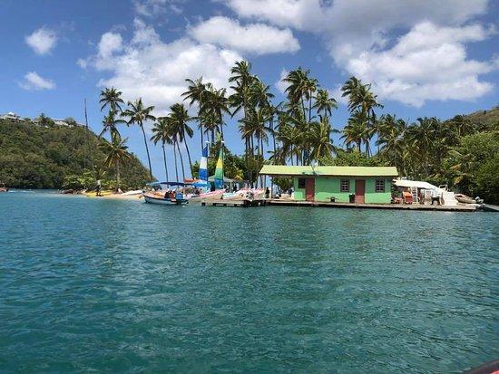 Marigot Bay, St. Lucia: Hotel beach via boat transfer