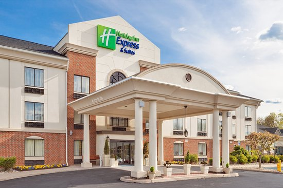 Holiday Inn Express Hotel & Suites Easton: Exterior