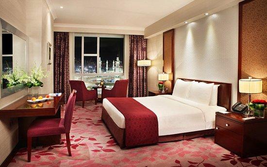 羅塔納酒店