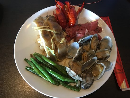 Franklin, WI: delicious=>  fish, mussels, beef, crawfish, asparagus