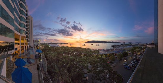 Le Meridien Kota Kinabalu: Exterior