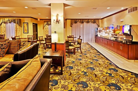 Holiday Inn Express Hotel & Suites Ponca City: Restaurant