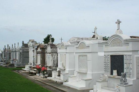Crescent City & Cemetery Luxury...