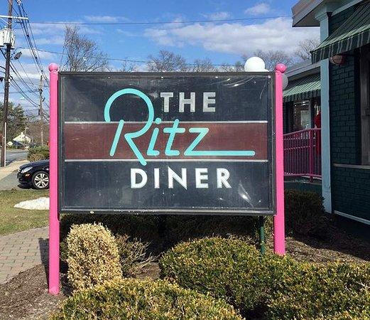 Ritz Diner : Diner Sign