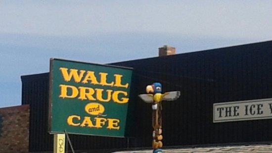 Wall Drug: 20180419_121939_large.jpg