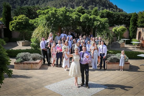 Lithgow Workies: Wedding In Tuscan Garden