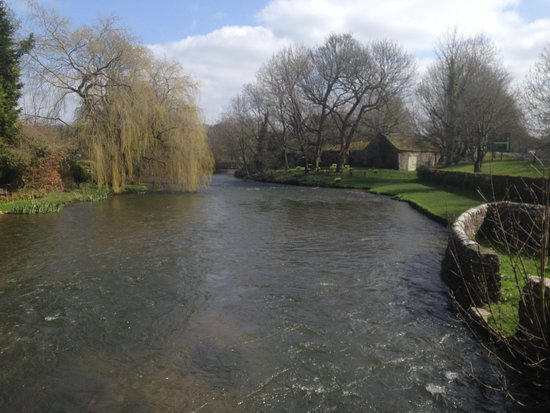 Ashford-in-the-Water Photo