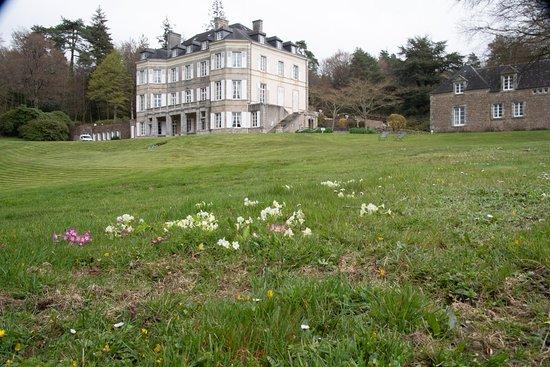 Chateau de Locguenole - Hotel: Chateau in einem weitläufigen Park