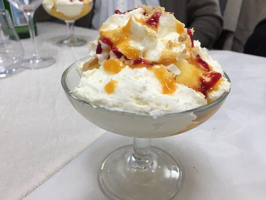 Beaumont Pied De Boeuf, ฝรั่งเศส: Le dessert du jour