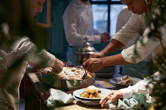 Fornet de la Soca  Catering para la inauguración de Zara Home FOTO  Alex  Marcus cfaf64e7109