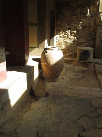 Knossos Archaeological Site: Des jarres