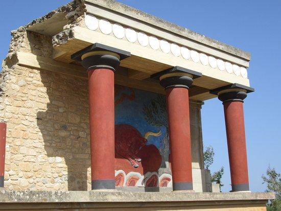 Knossos Archaeological Site: Palais (un peu) reconstitué