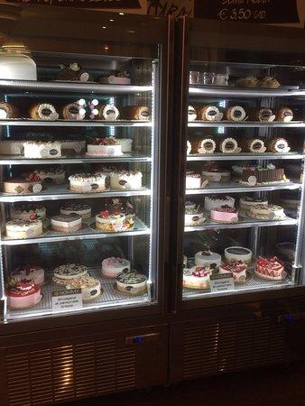 Senago, Italia: vetrine torte e semifreddi