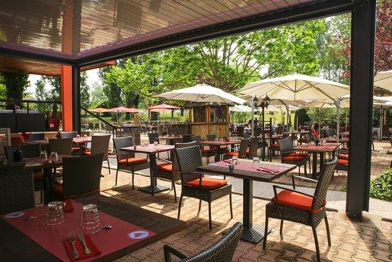 Rillieux-la-Pape, Frankreich: Chez Sophie, sous la pergola bioclimatique