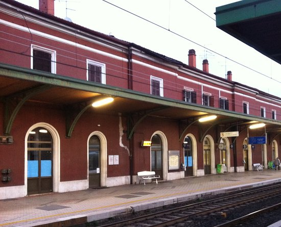 Stazione Ferroviaria Peschiera del Garda