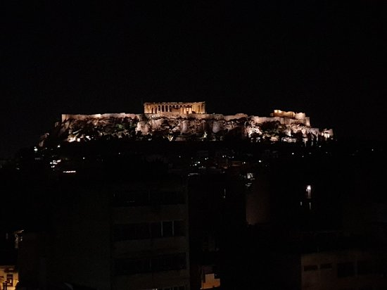 Arion Athens Hotel: 20180418_211749_large.jpg
