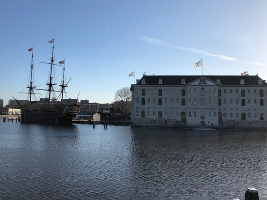 Het Scheepvaartmuseum| The National Maritime Museum: Probably one of the most impressive museums from the outside