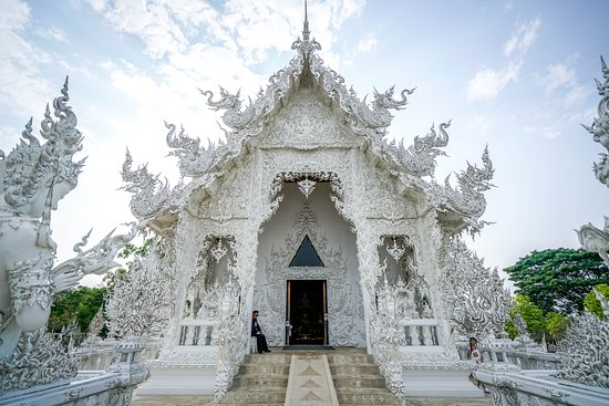 Wat Rong Khun: The entrance to the main building
