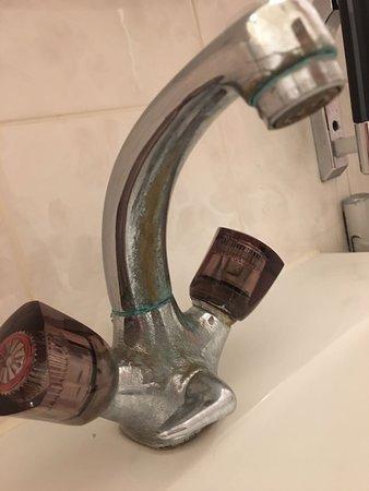 Hansa Hotel : Korrodierter Wasserhahn