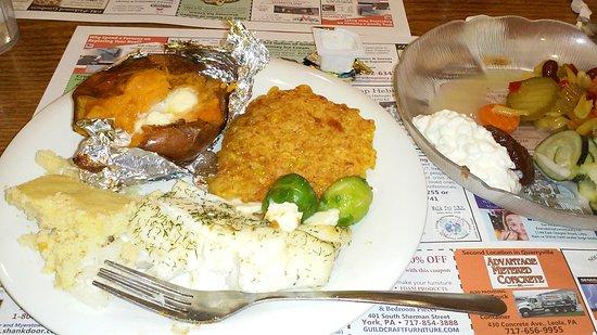 Yoder's Restaurant & Buffet: buffet