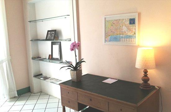 Provincia di Salerno, Italia: Piccolo scrittoio