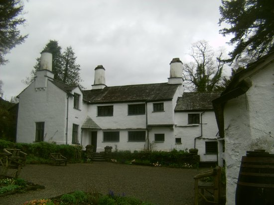 Troutbeck, UK: The Farmhouse from near the car park