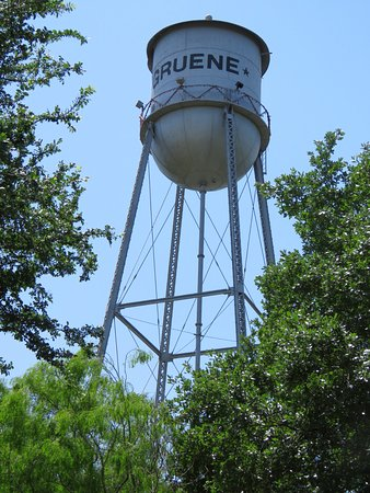 Gruene Historic District: Classic water tower