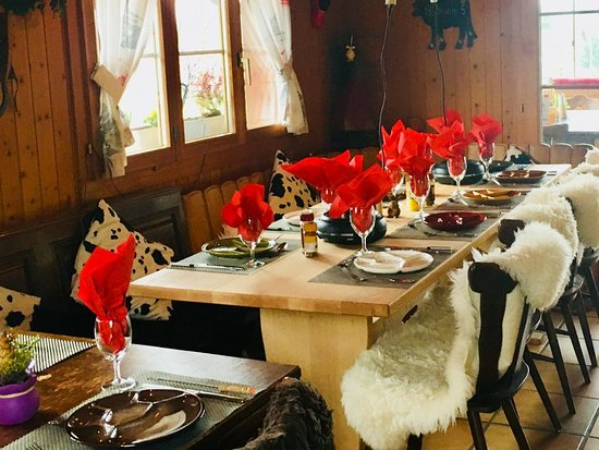Besenbeiz Rotblattstübli: Fondue Chinoise essen