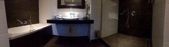 Katwoude, Belanda: Badkamer suite