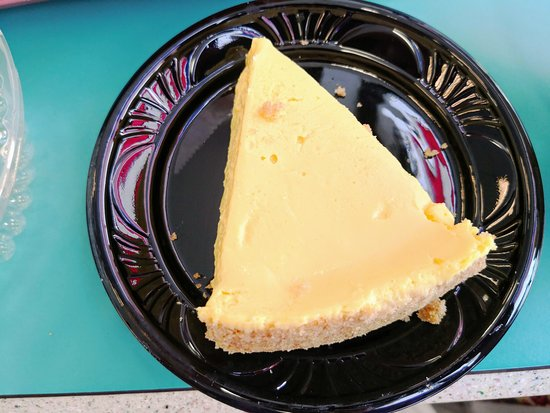 Miami Subs Grill: Key lime pie