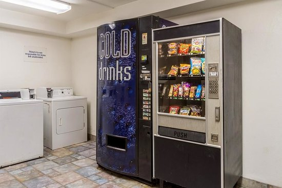 Macedonia, OH: Vending Machines on site for Guest Use.