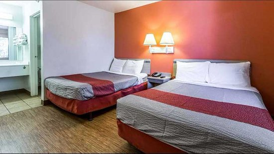 Macedonia, OH: Full size Beds in room.