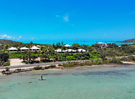 Harbour Club Villas & Marina: Paddleboard fisherman looking for bonefish in the lake by Harbour Club Villas
