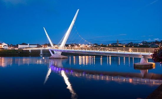 Derry, UK: Peace bridge at night - Derry county