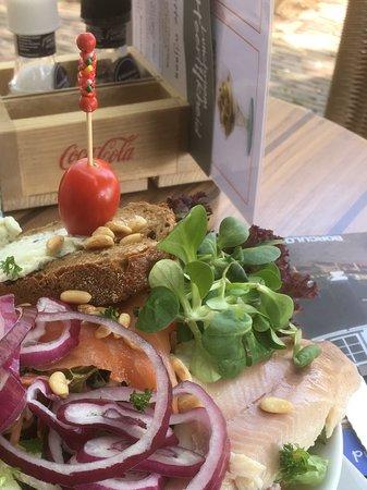 Borculo, هولندا: Vissalade