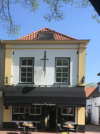 Borculo, هولندا: Het vooraanzicht.